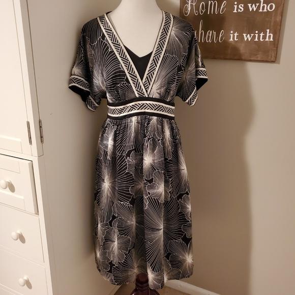 BCBGMaxAzria Dresses & Skirts - BCBGMaxAzria Vintage Silk Dress